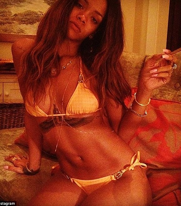 Rihanna bikini babe in Hawaii