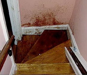 stair_blood4
