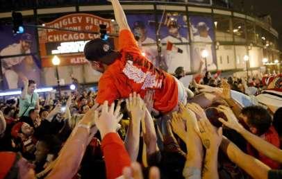 The 6 Best Bars in Wrigleyville & Chicago
