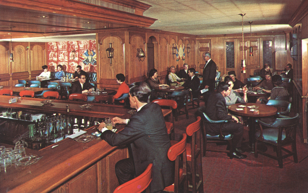 Take A Step Back In Time At The Oldest Bars And Restaurants In Chicago