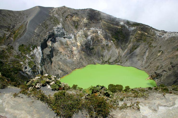full-irazu-volcano-crater.jpg