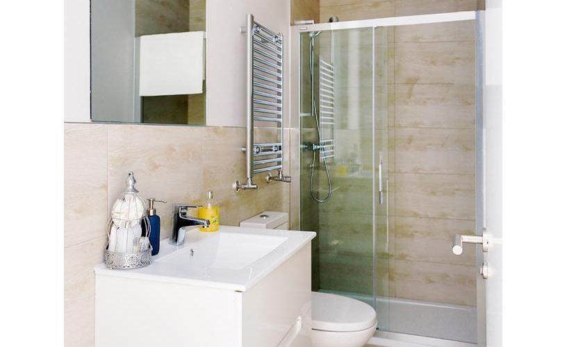 Baño en Apartamento un Dormitorio 4 UrbanVida La Latina