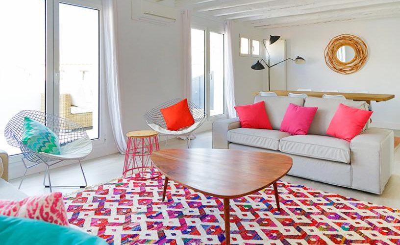 Salon en atico con terraza UrbanVida La Latina5