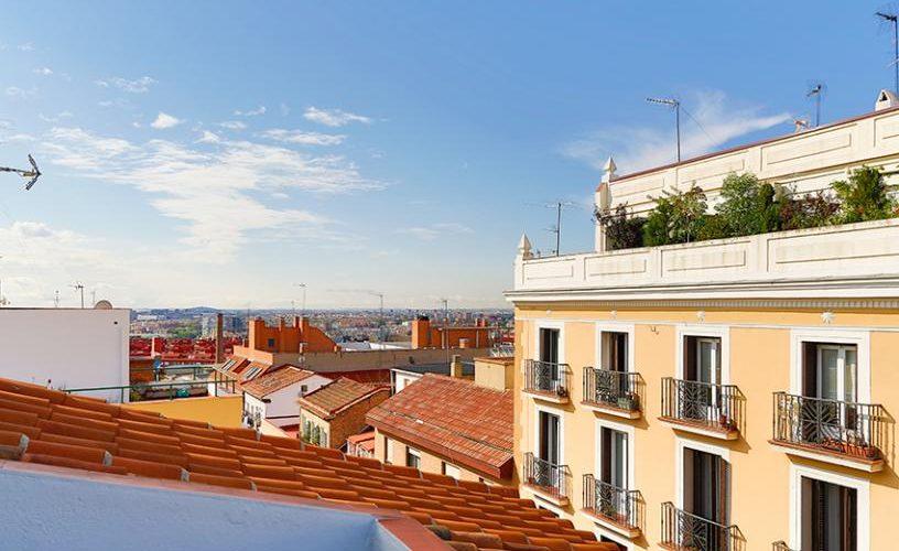Vistas desde el atico con terraza UrbanVida La Latina