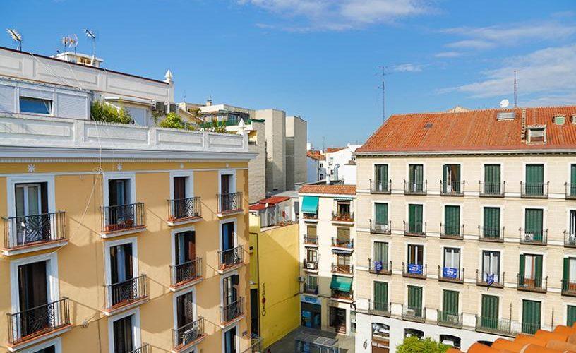 Vistas desde el atico con terraza UrbanVida La Latina2