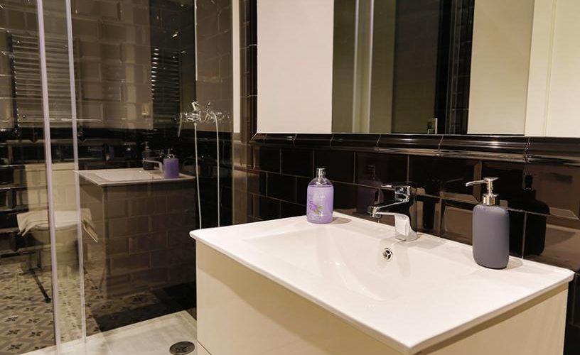 Baño en Estudio Loft 4.3 @ UrbanVida La Latina