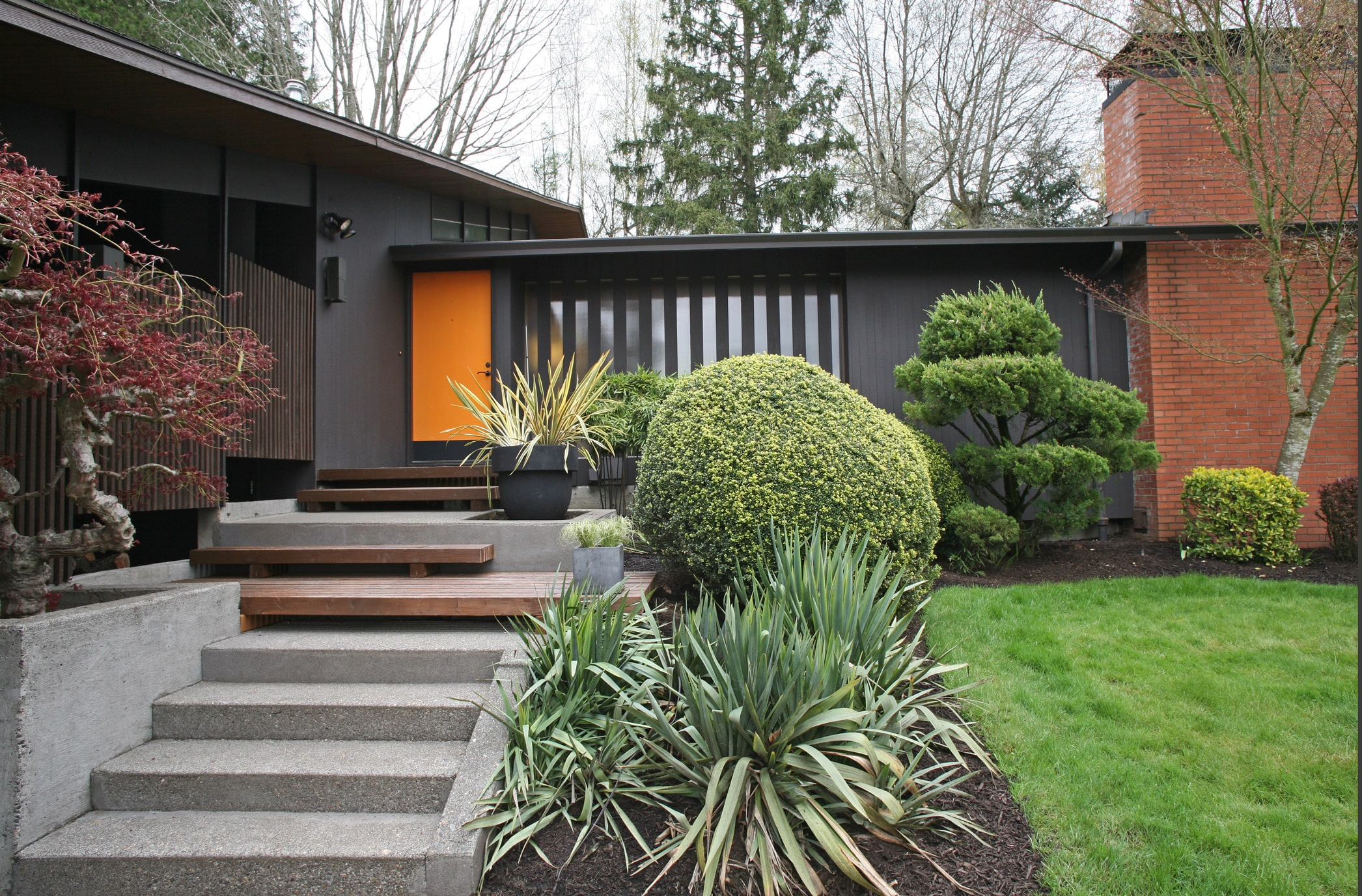 The Best Neighborhoods To Find Mid Century Modern Homes In