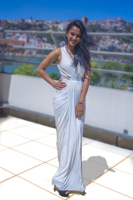 Miantsa Randriambelonor – Miss Madagascar