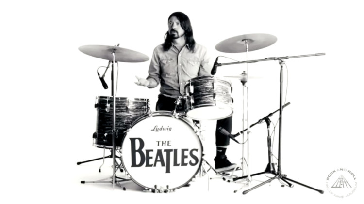 dave-grohl-ringo-star-hall-of-fame-tribute