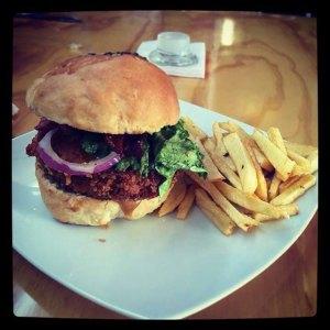 urbeat-punks-hamburguesa-cordon-blue