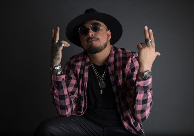 Mike Díaz presenta su nuevo material: «Renace»