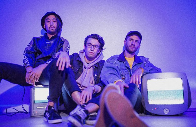Night Lights presenta Talk To Me
