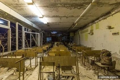 Auf einer Tschernobyl Tour haben zwei polnische Urban Explorer nach über 30 Jahren Dunkelheit die Geisterstadt Pripjat erleuchten lassen. Diese wurde nach dem Supergau aufgegeben und evakuiert.