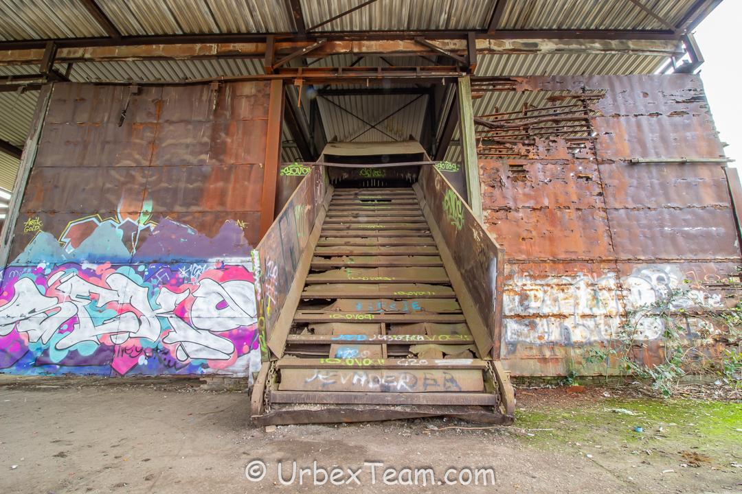 Factory Trawa 4