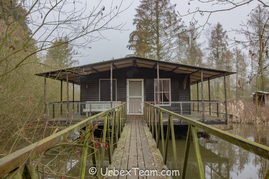 Swamp Chalet 15