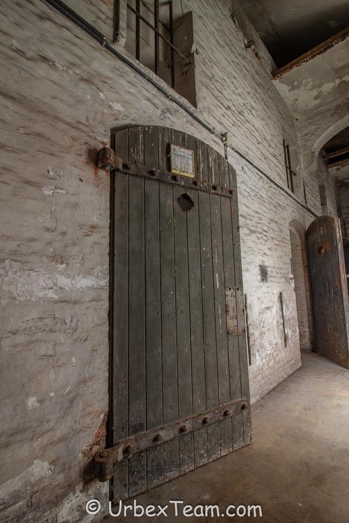 Prison H7 5