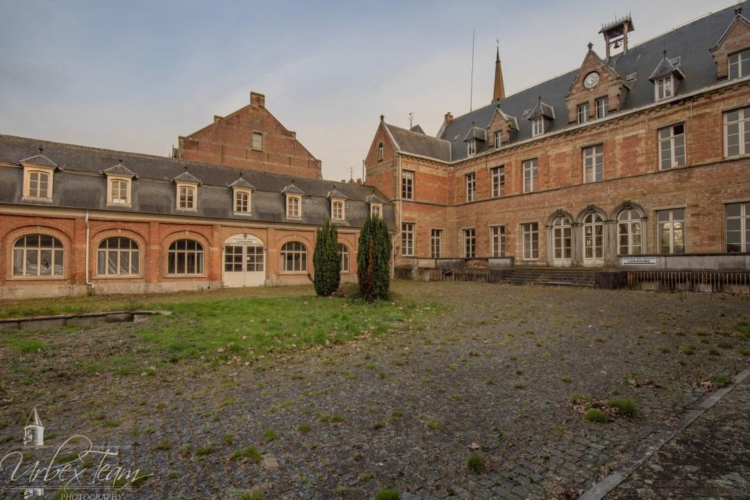 Chateau Des Muscles 18