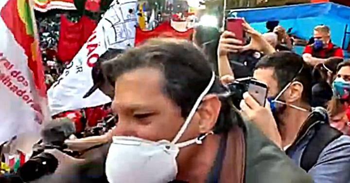 """Haddad dá recado a Bolsonaro: """"Assassino desgraçado; dono de nada; está com os dias contados"""""""