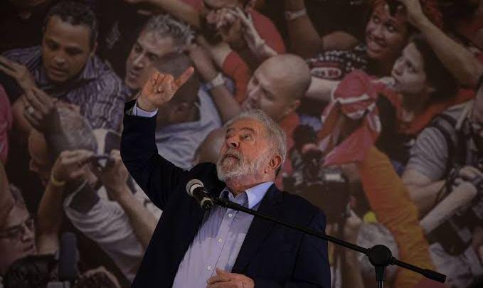 """""""Aqui não tem Posto Ipiranga"""", diz o PT sobre equipe Lula"""