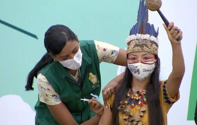 Com mentiras de Bolsonaro indígenas têm medo de virar jacaré, mudar de sexo e morrer