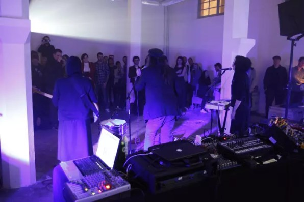Robin Bale performing in the White Building Gallery
