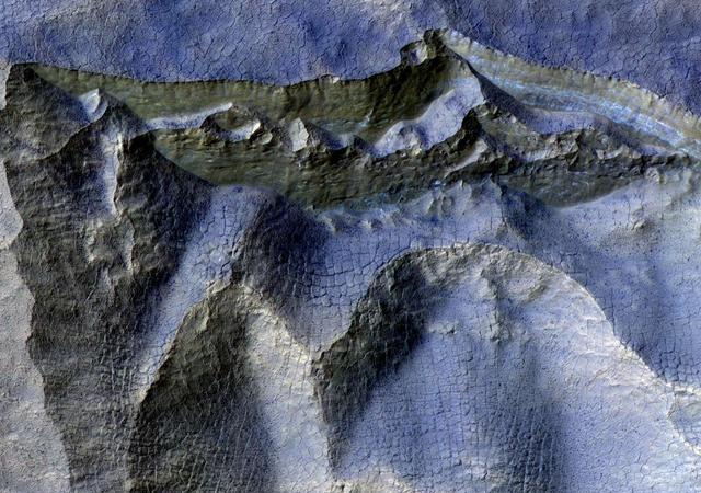 مریخ سیارے کی ناقابلِ یقین تصاویر سامنے آگئیں 4