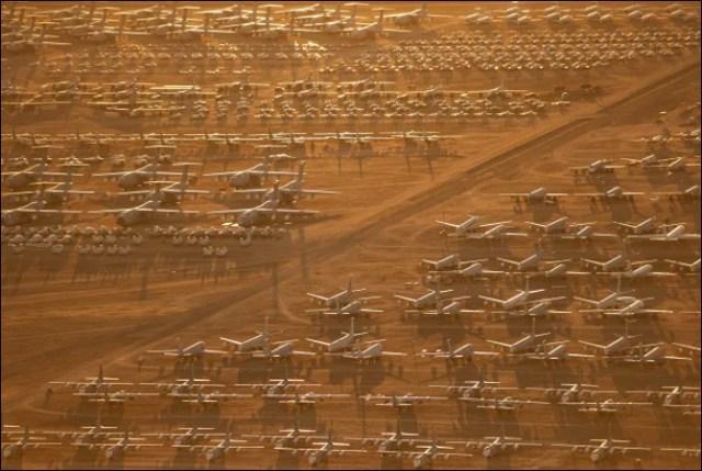 اربوں ڈالر کے سیکڑوں طیارے کھڑے کھڑے ناکارہ ہونے لگے (حیرت انگیز تصاویر) 4