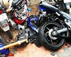 موٹر سائیکلوں کی ٹکر میں دو کی موت