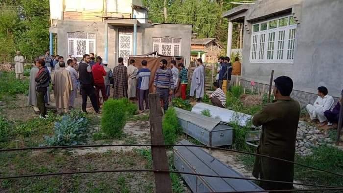 اونتی پورہ فائرنگ:ایس پی او ،اہلیہ اور دختر ہلاک