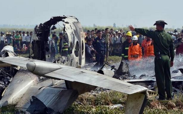 میانمار میں فوجی طیارہ حادثے کا شکار ، 12 افراد ہلاک