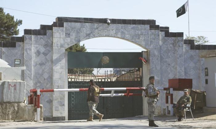 پاکستان نے کابل میں تعینات سفیر کو واپس بلالیا