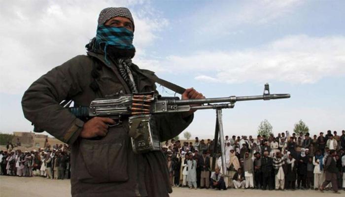 سڑکیں اور دیگر تعمیراتی کاموں پر بھی طالبان نے ٹیکس لاگو کردیا تھا— فوٹو: رائٹرز/فائل