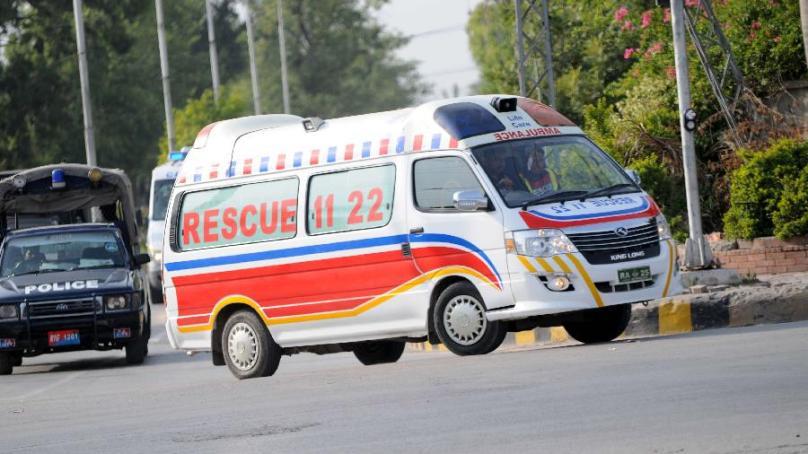 ماں کومے میں چلی گئی، پارلیمانی سیکریٹری برائے صحت کو ایمبولینس نہ مل سکا