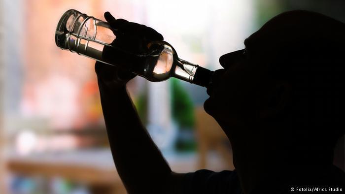 """ضلعی انتظامیہ دکانوں اور میڈیکل سٹورز پر """"ٹینچو"""" نامی شراب فروخت کرنے والوں کے خلاف کاروائی کرے، غذر انٹیلکچول فورم"""