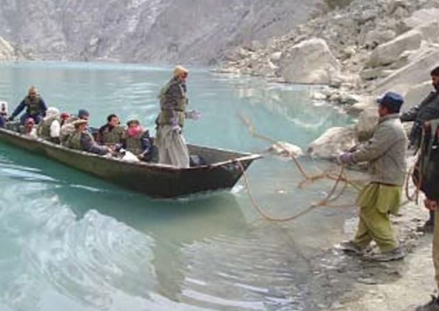 ضلعی انتظامیہ جھیل جمنے سے قبل تحصیل گوجال کو خوراک اور پیٹرولیم مصنوعات پہنچائے گی، ڈپٹی کمشنر ہنزہ نگر