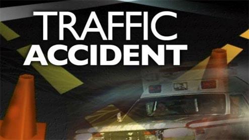 چلاس، شاہراہ قراقرم پر آئل ٹینکر اور ہائی ایس کے درمیان خوفناک ٹکر، پانچ افراد شدید زخمی ہوگئے