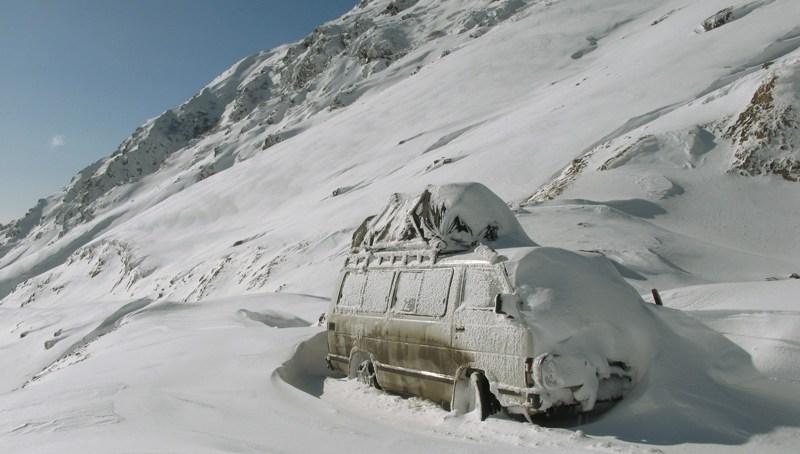 لواری ٹاپ برف باری کے باعث ٹریفک کیلئے بند, ہفتے میں دو دن مسافروں کیلئے کھول دیا جائے گا۔ جنرل منیجر این ایچ اے عبد الصمد خان۔