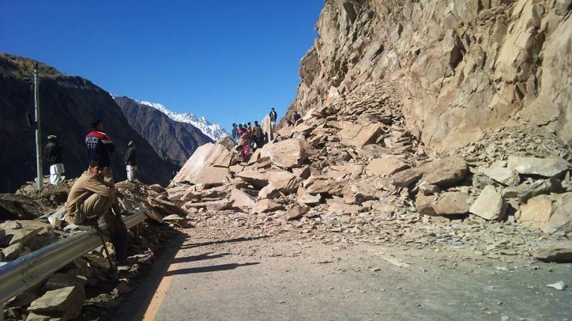 منرلز ڈپارٹمنٹ اور محکمہ پولیس نے معدنیات پر پابندی لگا کر ناصر آباد کے مکینوں کو بیروزگار کر دیا ہے