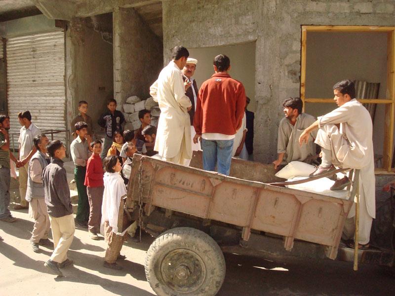 ہنزہ، کریم آباد میں آٹے کا بحران کافی عرصے سے چل رہا ہے۔ کوٹے میں اضافہ نہ ہونے کی وجہ سے بحران شدید تر ہوتا جارہا ہے۔ پامیر ٹائمز فائل فوٹو