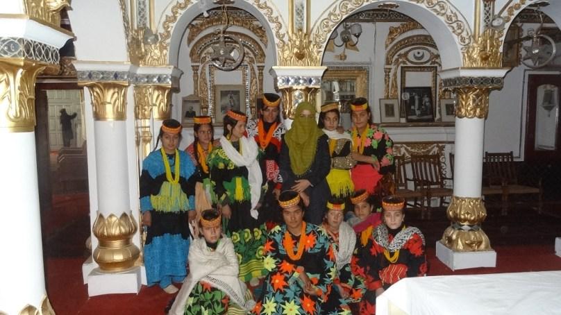 وادی کیلاش سے تعلق رکھنے والی طالبات نے کیا شاہی قلعہ، چترال میوزیم اور دیگر تاریخی مقامات کا مطالعاتی دورہ