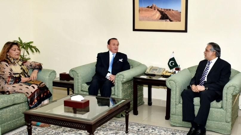 گورنر میر غضنفر علیخان کی وفاقی وزیر خزانہ سے ملاقات، گلگت بلتستان کے معاشی مسائل سے آگاہ کردیا