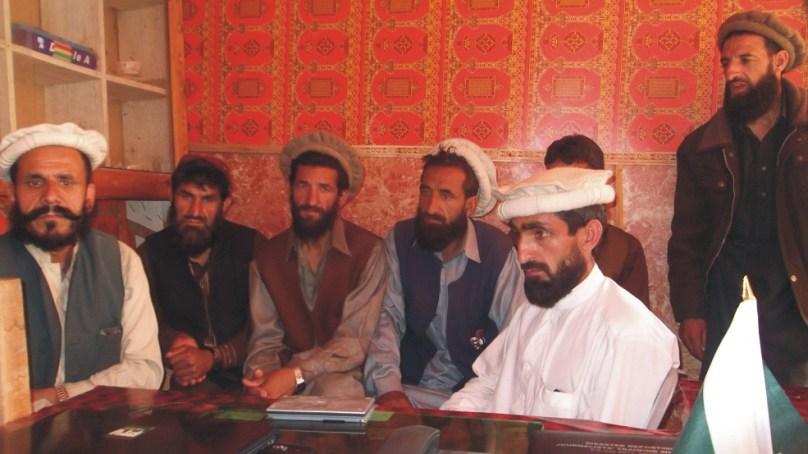 دیگر علاقوں میں تئیس بکریاں مر جائیں تو کہرام مچ جاتا ہے، لیکن کوہستان میں ملبے تلے دبے23   افراد کی کسی کو پرواہ نہیں : لواحقین