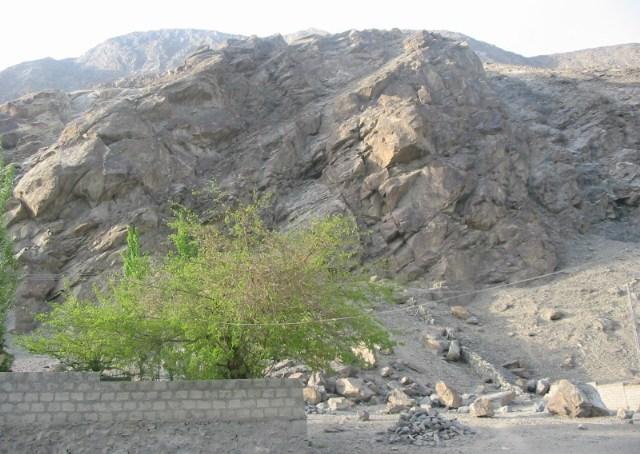 گلگت کے علاقے نگر کالونی کے مکین سخت گرمی میں پانی کی بوند بوند کو ترس گئے