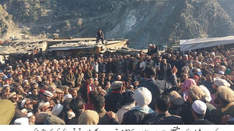 کوہستان: شہری کی ہلاکت پر ایف سی حکام کے ساتھ مذاکرت کامیاب ، مطالبات پر عملدرآمد کیلئے حکومت کو چھ دنوں کی ڈیڈلائن دیدی