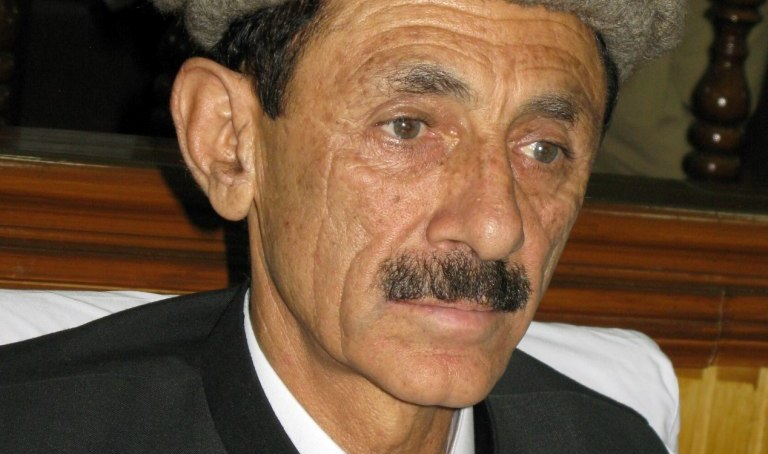 سینٹرتاج حیدر نے یقین دلایا ہے کہ غذر چترال روڑ اور تاجکستان روڑ کو غذر سے گزارہ جائے گا۔ راجہ جہانذیب