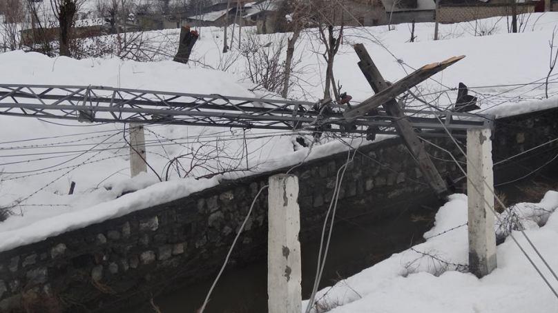 چترال : برف باری کے پانچ دن بعد بھی چترال ٹاون کی بجلی بحال نہ ہوسکی