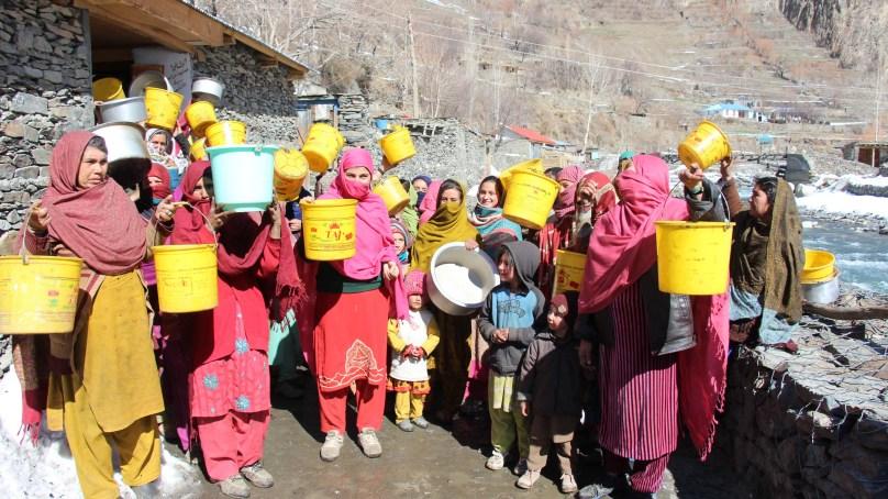 چترا ل کے بالائی علاقے وادی شالی کے لوگ دریا کا گندہ پانی پینے پر مجبور، خواتین سراپا احتجاج