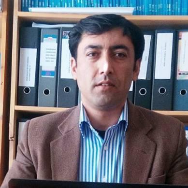 شعبہ کیمیا قراقرم یونیورسٹی کے استاد اسسٹنٹ پروفیسر ڈاکٹر محمد اسماعیل کو بہترین ٹیچر کا ایوارڈ دیاگیا