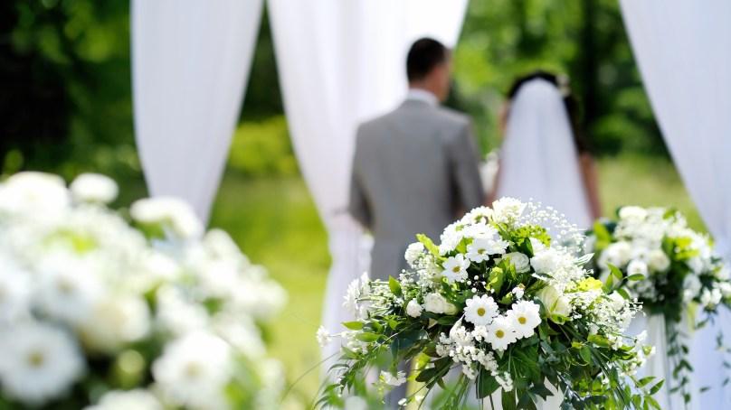 والدین سے دور شادیاں، ایک نیا ٹرینڈ