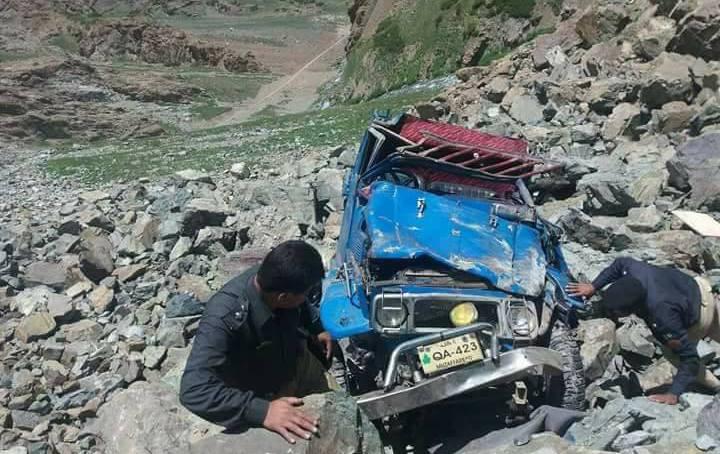 سکردو سے گلتری جانے والی گاڑی حادثے کا شکار، ڈرائیور جان بحق، دو مسافر شدید زخمی